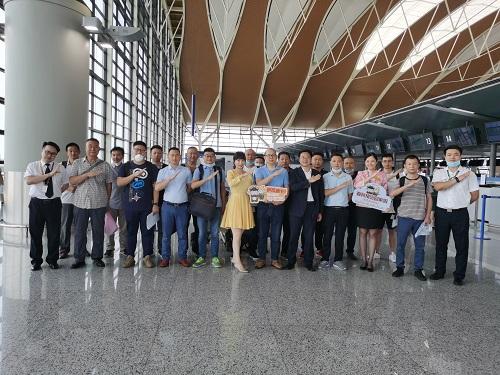春秋航空送首个中资企业团队飞泰国复工复产